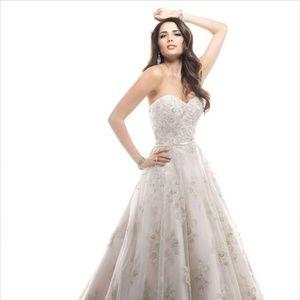 Wedding Dress  Hannah Gown Size 8